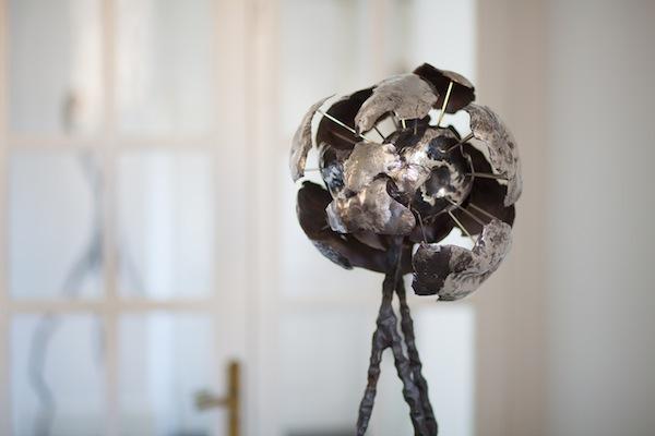 """""""sphid modular shell"""", escultura de acero inoxidable de Hans Some, Alicante, España"""