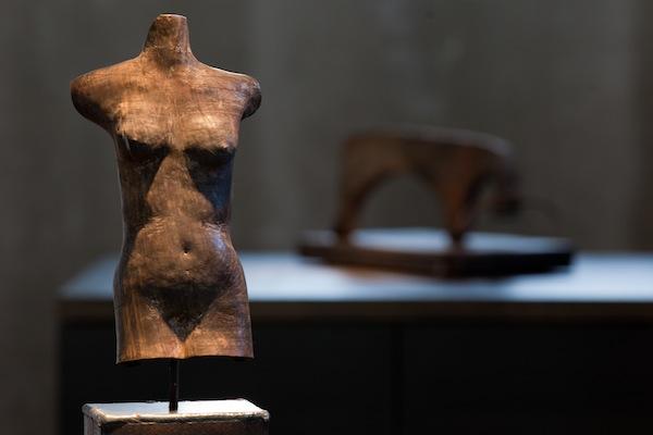 """""""melete"""", """"sphid modular shell"""", escultura de bronce, Hans Some, Alicante, España"""