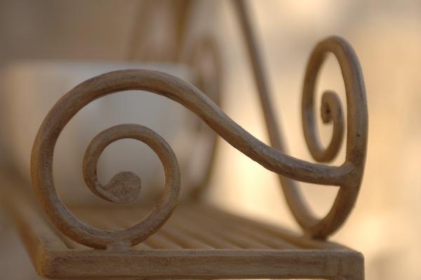 romantisches handgeschmiedetes Regal, rustikal