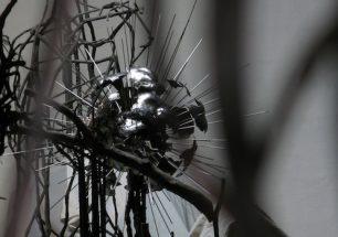 """""""sphid stratos"""", escultura de acero inoxidable de Hans Some, España"""