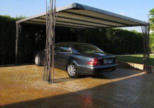 Design Carport aus Stahl für 2 Fahrzeuge